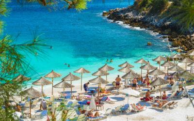 Tasos, una isla de color verde y rodeada de playas