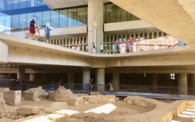Nueva zona de exhibición en la base del Museo de la Acrópolis