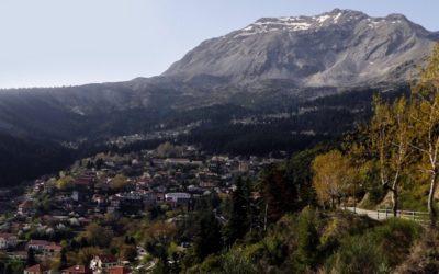 Arta, una ciudad rodeada de montañas